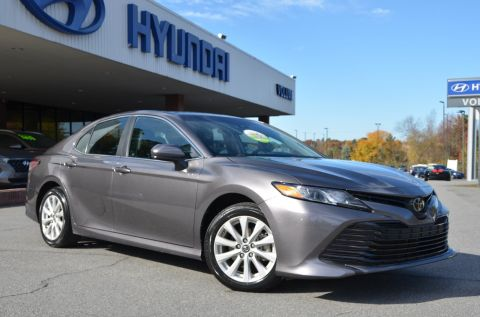 Pre-Owned 2018 Toyota Camry FWD 4dr Car