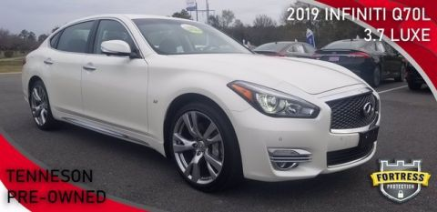Pre-Owned 2019 INFINITI Q70L 3.7 LUXE RWD 4dr Car